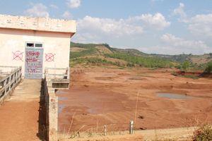 Xây hồ thủy lợi bỏ hoang, quyền giám đốc ban quản lý dự án bị bắt