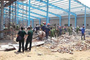 Danh tính 8 nạn nhân thương vong trong vụ sập tường ở Vĩnh Long