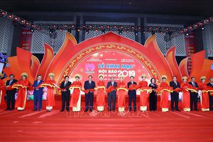 Thủ tướng Nguyễn Xuân Phúc: Báo chí luôn đồng hành với Đảng, Chính phủ trên mặt trận tư tưởng, văn hóa