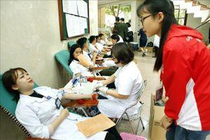 Nhiều hoạt động ý nghĩa trong 'Ngày hội nhân ái - Kết nối sẻ chia' tại Bệnh viện Việt Đức