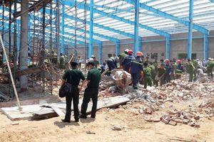 Tai nạn trong KCN ở Vĩnh Long: Con gái hốt hoảng tìm cha sau tiếng động lớn