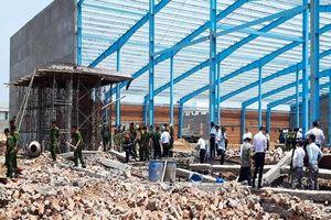 Vĩnh Long: 5 người tử vong do sập tường trong công trình đang xây dựng