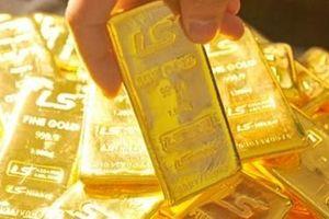 Giá vàng trong nước giảm mạnh do tâm lý chốt lời