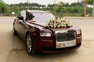 Rolls-Royce Ghost 'ngũ quý 1' bất ngờ rước dâu tại HN