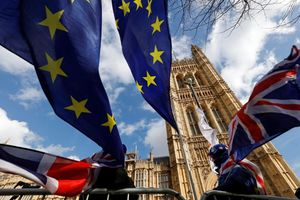 Quốc hội Anh trì hoãn Brexit
