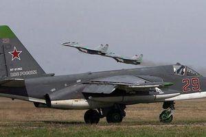 Dàn Su-25 Nga tái xuất ở căn cứ Hmeimim, 'chảo lửa' Syria sắp nóng trở lại?