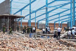 Đình chỉ thi công công trình sập tường làm 6 người chết ở Vĩnh Long