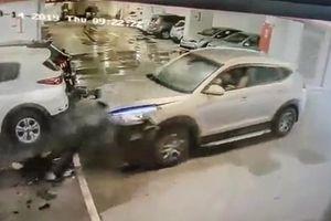 Lao như bay vào hầm đỗ xe, Hyundai Tucson nát đầu tài xế thoát chết