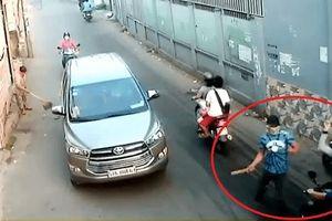 TP.HCM: Điều tra nhóm đối tượng bịt mặt truy sát người đàn ông đi trên đường