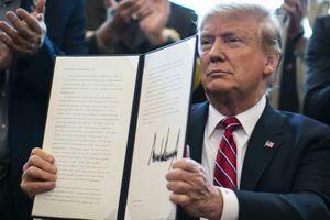Tin ảnh: Vì bức tường, ông Trump chống lại cả Quốc hội Mỹ