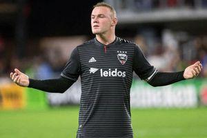 Rooney tỏa sáng, ghi hat-trick đầu tiên tại Mỹ