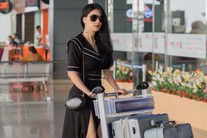 'Hoa hậu hàng không' Loan Vương sang Hong Kong dự Liên hoan phim