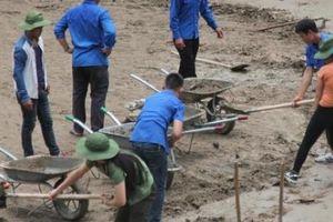Sơn La: Hơn 300 cán bộ, thanh niên dọn rác vệ sinh môi trường