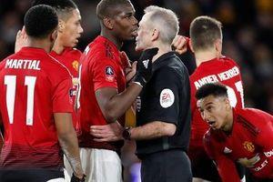 Nghi án trọng tài Atkinson tiếp tay 'loại' Man United ở FA Cup?