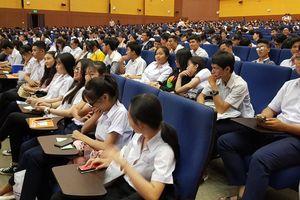 Tư vấn mùa thi: Làm sao để giảm nguy cơ thất nghiệp khi ra trường?
