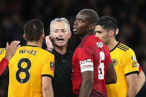 Thua bạc nhược Wolves, M.U bị loại khỏi tứ kết FA Cup