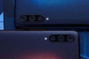 Smartphone 3 camera sau, chip S855, RAM 12 GB, pin 4.000 mAh sạc đầy 45 phút, giá rẻ bất ngờ