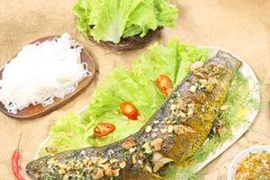 CLIP: Hướng dẫn cách làm món cá quả nướng mỡ hành thơm ngon hấp dẫn