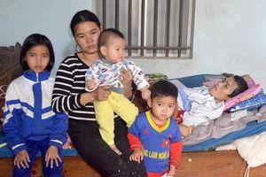 Ước muốn giản dị của 4 đứa trẻ có bố bị liệt vì TNGT