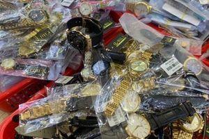 Thu giữ hơn 3000 đồng hồ nghi hàng nhái các thương hiệu nổi tiếng thế giới