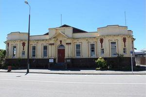 New Zealand: Tòa án Greymouth 105 tuổi được ra bán