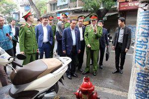 Đoàn giám sát của Quốc hội kiểm tra công tác PCCC tại quận Hoàn Kiếm