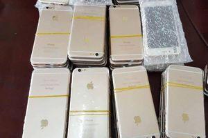 Thu giữ hàng nghìn chiếc đồng hồ, smartphone nhập lậu