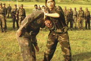 'Người đàn bà thép' 20 năm dạy võ cho 20.000 binh sĩ