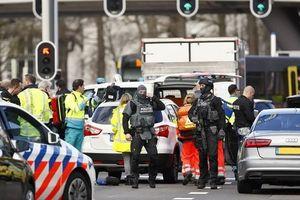 Nổ súng trên tàu điện Hà Lan, nghi hành động khủng bố