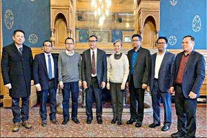 Campuchia phát lệnh bắt 8 lãnh đạo phe đối lập