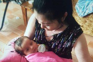 Bé gái bị bỏ rơi trong cặp: Người xưng cha mẹ ruột xin nữ Chủ tịch phường trao lại