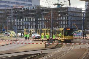 Nổ súng trên xe điện ở Hà Lan, 3 người thiệt mạng