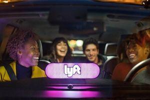 Lyft sẽ IPO để giành khách 'đi xe chung' với Uber