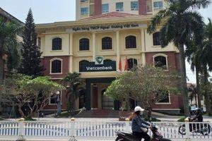 Sập bẫy hacker, khách hàng Vietcombank mất 50 triệu đồng ngay trước mặt