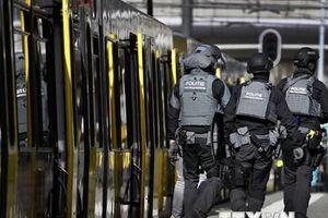 Hà Lan xác nhận ít nhất một nghi can vụ nổ súng đang chạy trốn