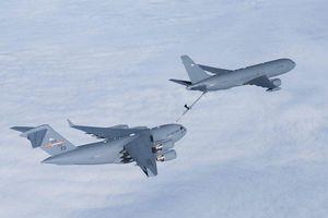 Không quân Mỹ tố Boeing quên rác trên máy bay tiếp nhiên liệu mới bàn giao