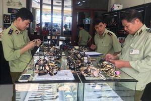 Hơn 3.000 đồng hồ 'hàng hiệu' bị bắt giữ: 80% trên thị trường là hàng 'fake'