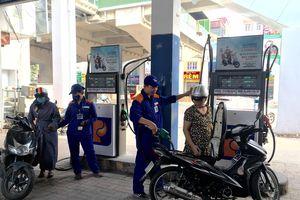 Tăng xả quỹ bình ổn, giá xăng dầu được giữ ổn định