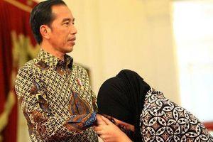 Malaysia thả cô gái Indonesia, Tổng thống Widodo ghi điểm trước bầu cử