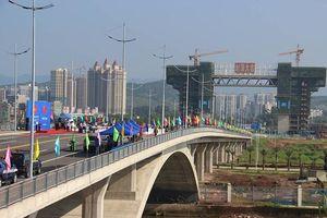 Thông quan cây cầu thứ 2 nối hai nước Việt - Trung tại TP Móng Cái