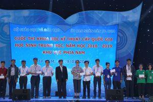 NHG trao học bổng cho thí sinh tài năng hội thi KHKT cấp quốc gia 2019