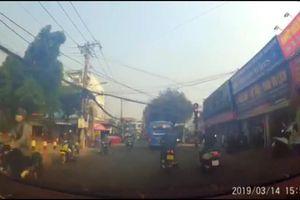 Tìm ra xe buýt vượt đèn đỏ ở Sài Gòn gây xôn xao mạng xã hội
