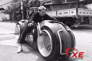 Đức Tào Phớ: 'Lái siêu môtô Tron Light Cycle không khó như mọi người tưởng'