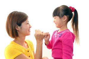 6 thói quen xấu của cha mẹ có thể làm hư trẻ