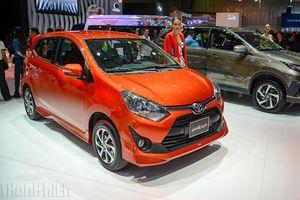 Quyết đấu xe Hàn Quốc, Toyota Wigo giảm giá bán