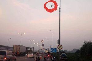 Tháo dải phân cách, lắp camera ở đường dẫn cao tốc có tai nạn chết người