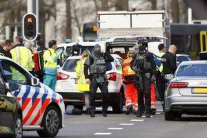 Xả súng trên tàu điện tại Hà Lan, nhiều người bị thương