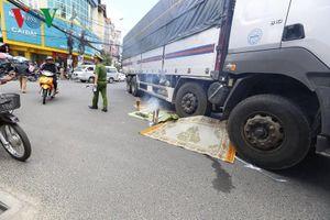 Va chạm giao thông, một phụ nữ tử vong dưới bánh xe tải