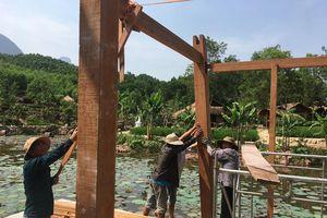 Tháo dỡ khu nghỉ dưỡng mọc 'chui' giữa rừng phòng hộ ở Quảng Nam