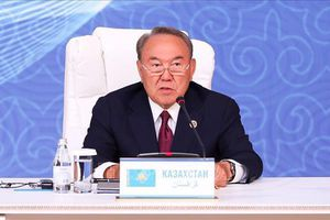 Tổng thống Kazakhstan bất ngờ từ chức sau gần 30 năm cầm quyền